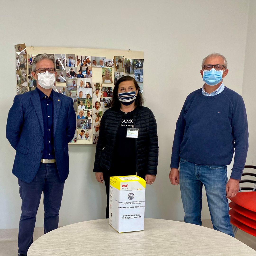L'Albo Odontoiatri consegna le prime mascherine filtranti